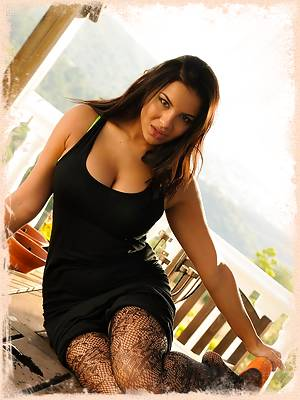 Lacey Banghard Online ; Free Sample Gallery