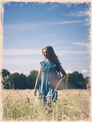 Like all of the best British beauties; Sam loves a stroll in the country in the summer sun. She seems to have this field to herself right now as it's not long before she slowly begins to peel of her clothes so she can feel the sun on her soft skin. The sun is known for lifting a person's mood; but what can Sam do to lift yours?