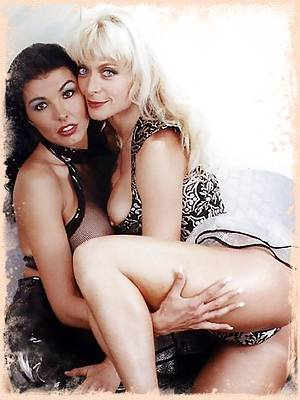 Nina Hartley and Anna Malle into lesbian sex