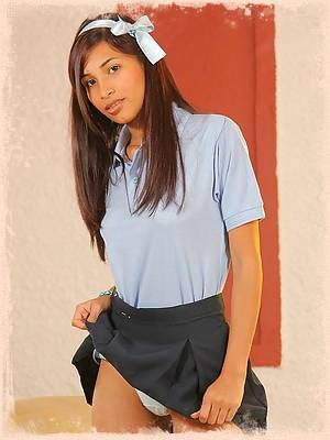 Klimax is the sexy schoolgirl who takes it off