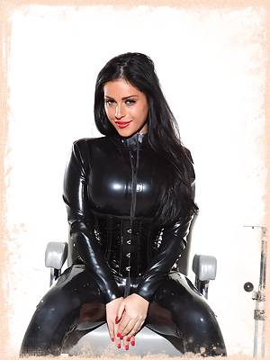 I really fuck with your mind in this set. Dressed in a tight black latex catsuit; I know you will be drooling over your computer but then I fuck with your mind; you might think I'm submissive...but am I?!